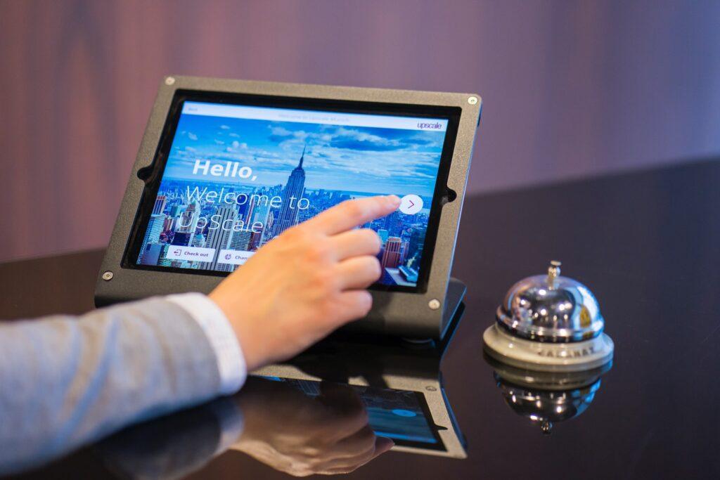 Usar o cartão de crédito no check-in facilita sua chegada no hotel