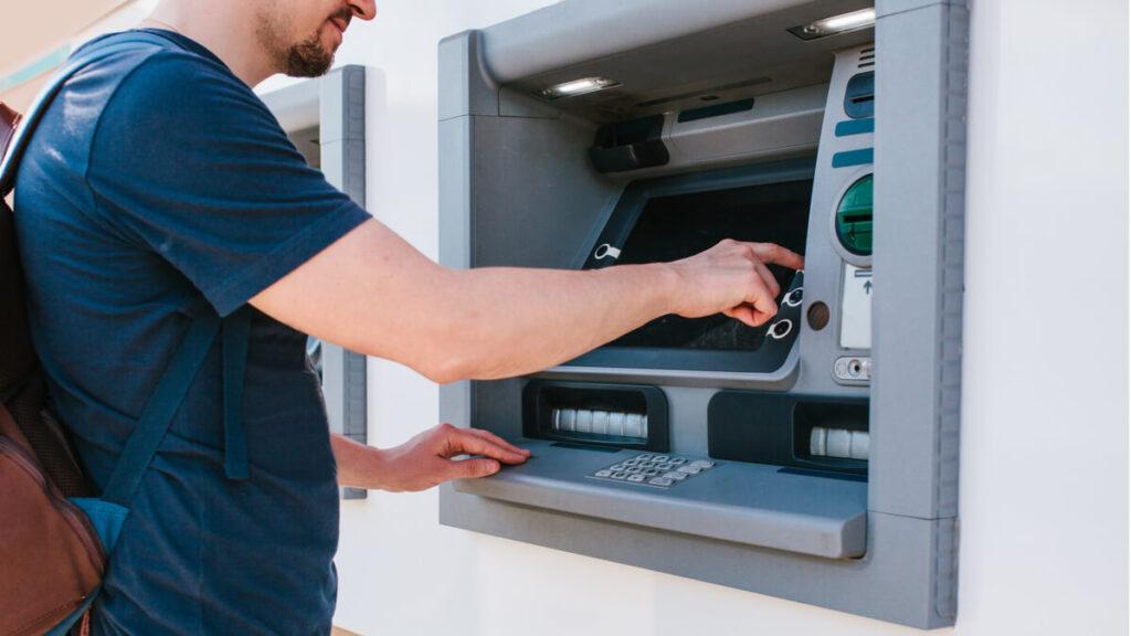 Alguns bancos permitem o pagar boletos com cartão de crédito