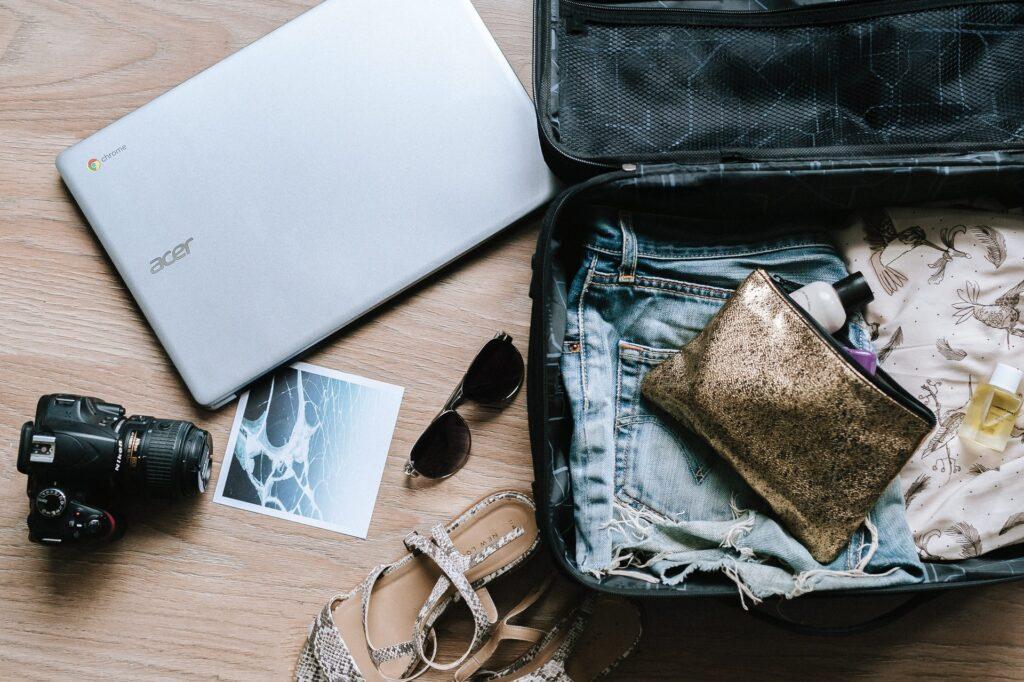 A bagagem extra é uma das vantagens do cartão de crédito para sua viagem