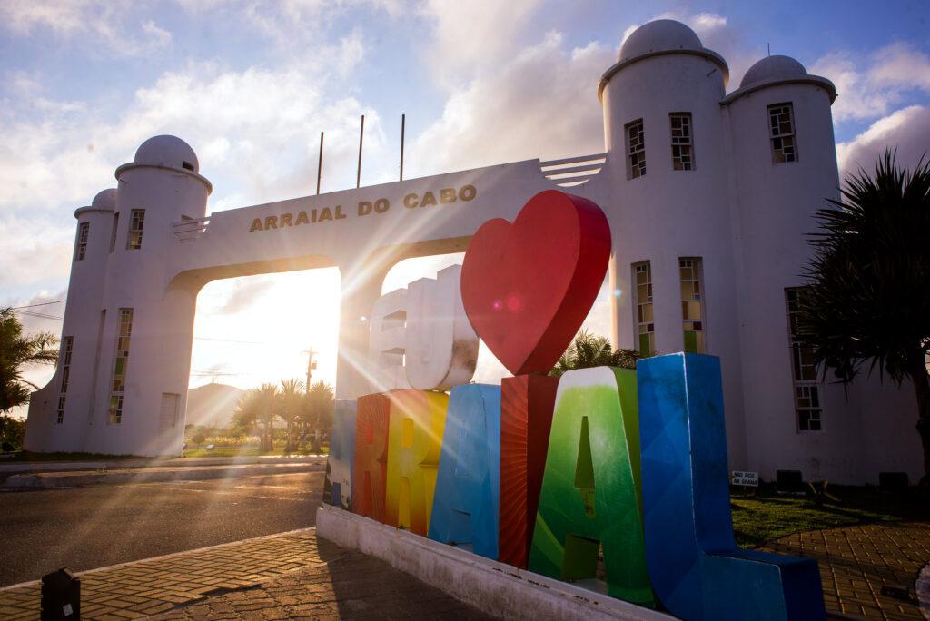 Arraial do Cabo é uma das cidades que compõe a Região dos Lagos