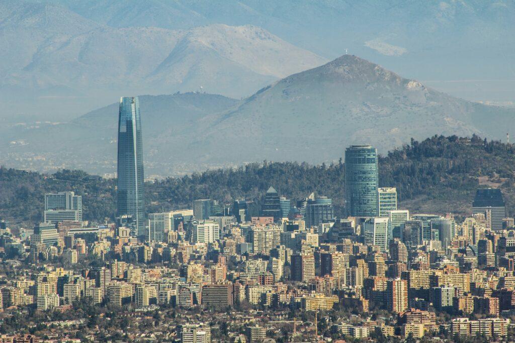 Santiago completa a lista de cidades baratas para viajar em 2021