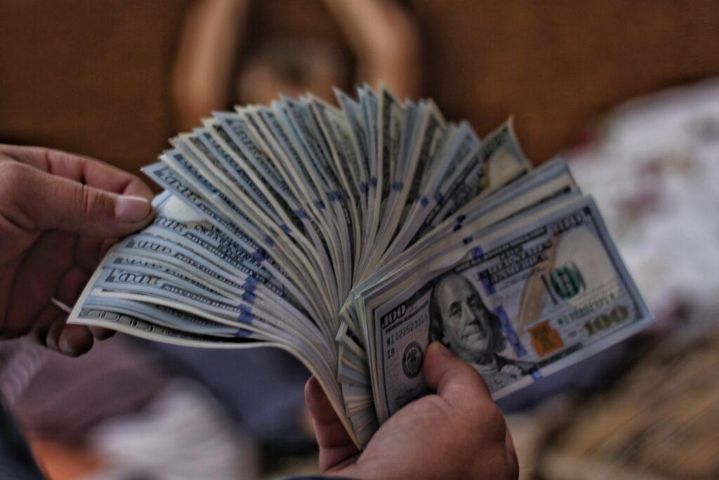 O seu salário pode determinar o limite de crédito do cartão